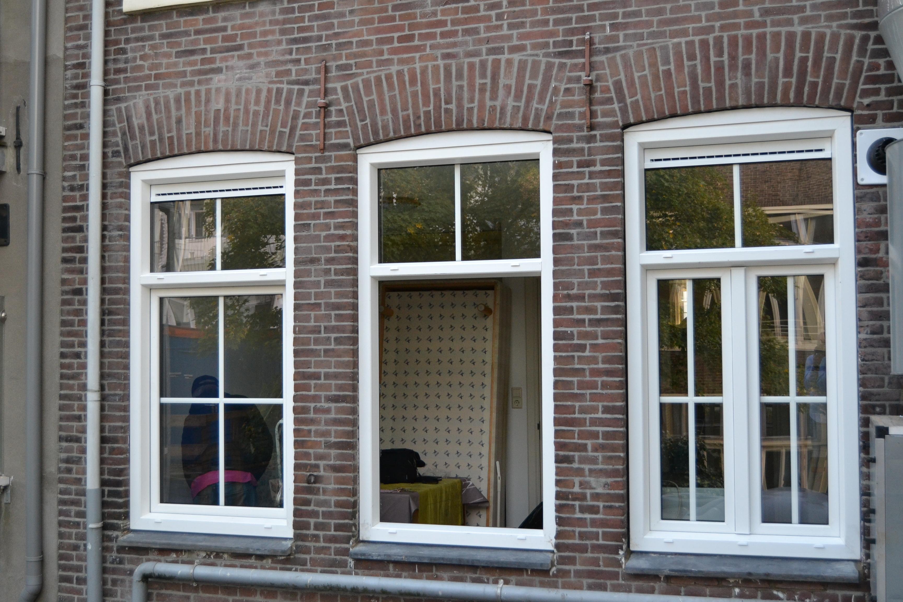 kozijnen vervangen in hartje Amsterdam (grachtenpand)