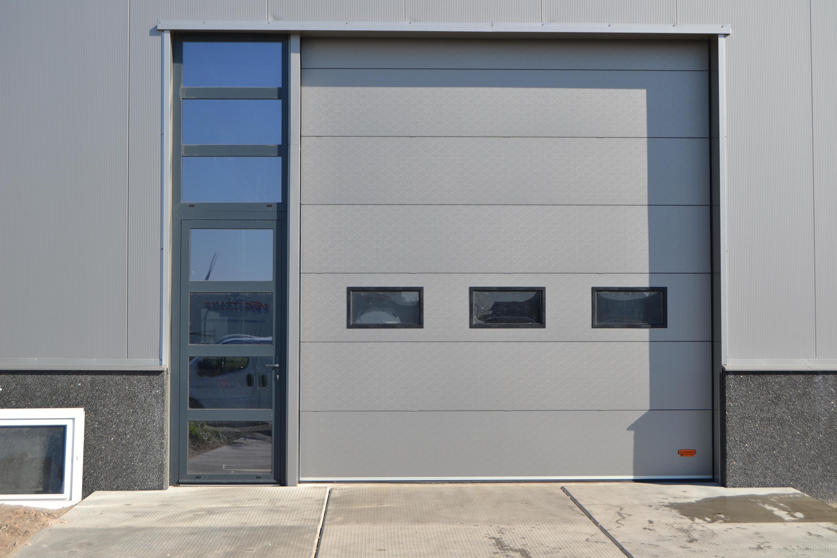 aluminium gevelementen over twee verdiepingen